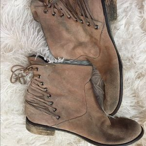 Betsey Johnson ankle boots suede 8